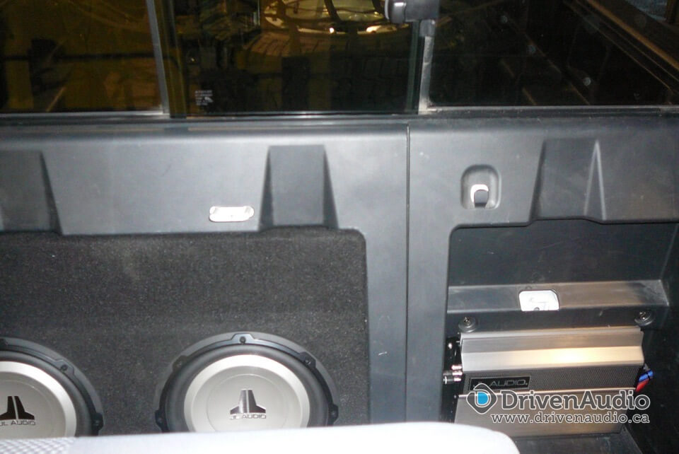 2008 Toyota Tacoma Subwoofer Ensclosure And Amp